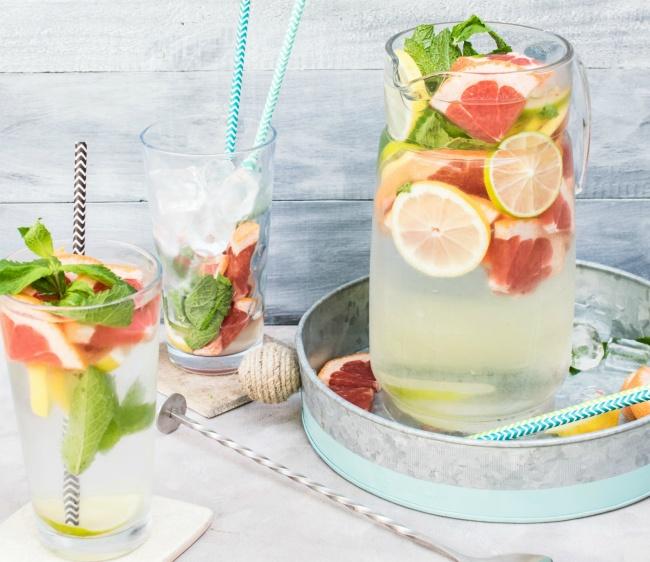 5. Bổ sung độ ẩm từ bên trong Tăng cường uống nước, ăn hoa quả để bổ sung độ ẩm cho da từ bên trong sẽ giúp hạn chế tình trạng khô nẻ.