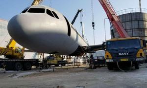 Nông dân Trung Quốc làm mô hình máy bay Airbus A320