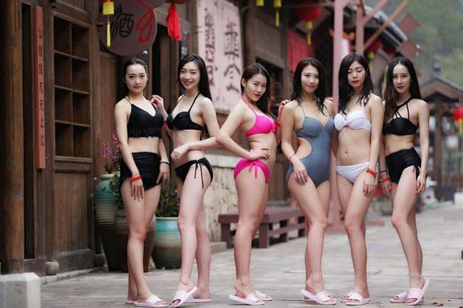 Các thí sinh thi tuyển làm diễn viên khỏa thân ở phim trường lớn nhất Trung Quốc - 6