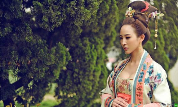 Tạo hình Huệ Phi của Quân Ninh trong bộ phim Võ Tắc Thiên truyền kỳ.