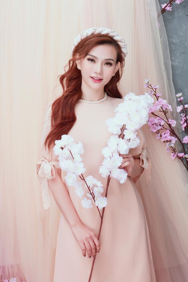 Gần đây, Thu Thủy ra mắt single và MV Hết yêu, như một lời khẳng định cô đã hoàn toàn khép lại mối tình 17 năm với chồng cũ. Ca khúc nhận được sự đồng cảm của nhiều khán giả.