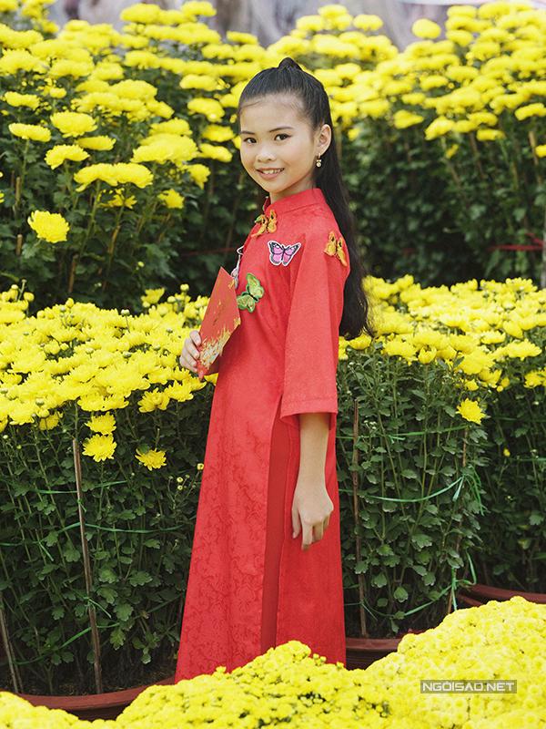 Mẫu nhí diện áo dài rạng rỡ trong vườn hoa xuân - ảnh 3