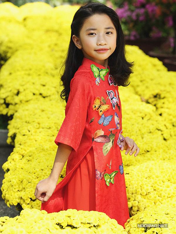 Mẫu nhí diện áo dài rạng rỡ trong vườn hoa xuân - ảnh 4