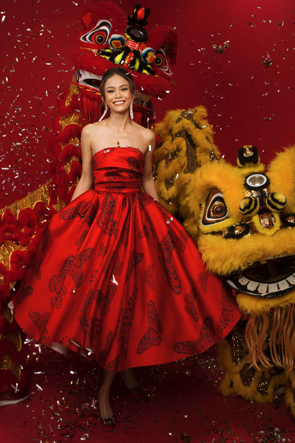 HHen Niê cùng Á hậu Hoàng Thùy, Mâu Thủy rạng rỡ trong bộ ảnh Tết - 8