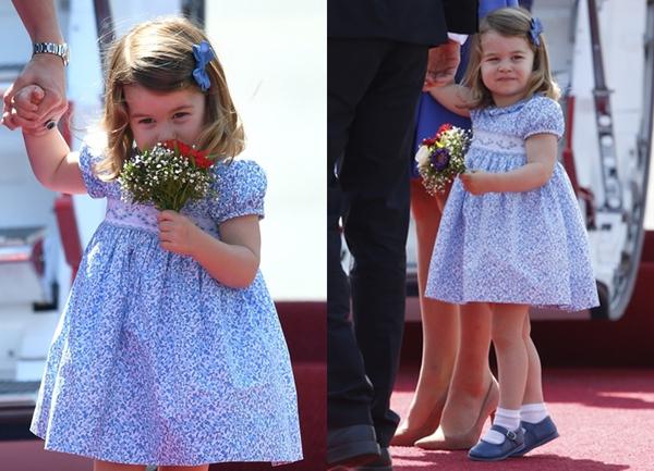 Trong chuyến công du Canada cùng chồng là hoàng tử William và hai người con vào hồi tháng 9, công nương Kate đã nhận được một món quà từ giới chức Canda dành cho công chúa nhỏ Charlotte khi ấy mới 16 tháng tuổi.