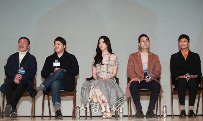 Han Hyo Joo mặc giản dị, trang điểm nhẹ vẫn xứng danh bảo bối nhan sắc Hàn - 5