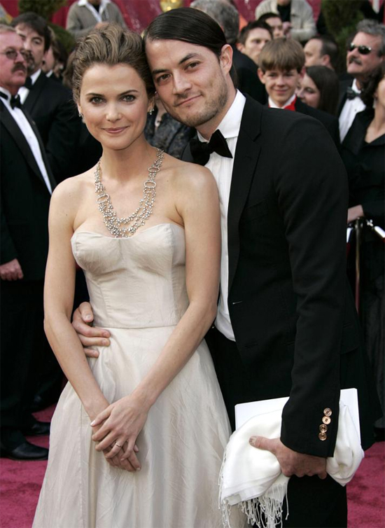 Nữ diễn viên Keri Russell đã chọn ngày lãng mạn nhất năm, Valentine 2007, để lên xe hoa với Shane Deary. Tuy nhiên sau 7 năm chung sống và có hai con, vợ chồng Keri đã quyết định ly hôn.