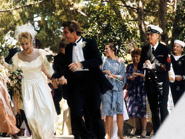 Cặp sao Meg Ryan và Dennis Quaid phải lòng nhau sau khi đóng cùng hai bộ phim D.O.A. và Innerspace. Họ kết hôn vào ngày Valentine 1991. Tròn 10 năm sau, hai người ly hôn.