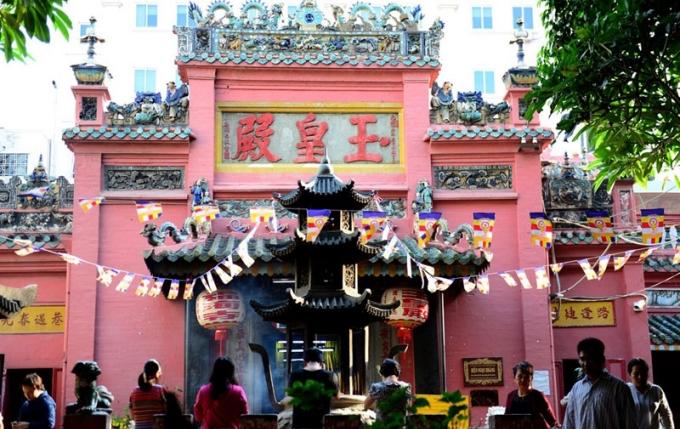 4 ngôi chùa xóa ế ở Sài Gòn được các nàng lui tới dịp đầu năm (bài tết) - 2