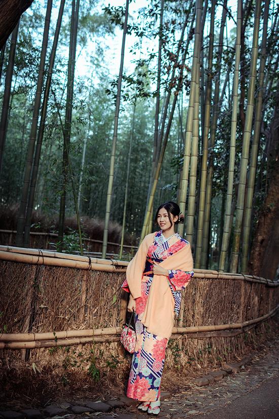 Á hậu cao nhất Việt Nam trễ nải vai trần ở Nhật Bản - ảnh 8