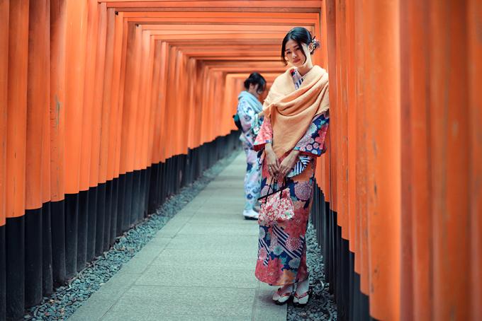 Á hậu cao nhất Việt Nam trễ nải vai trần ở Nhật Bản - ảnh 6