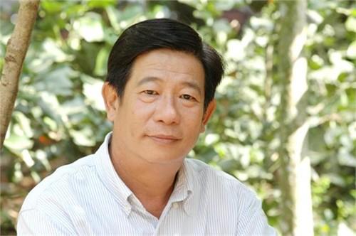Nghệ sĩ Nguyễn Hậu.