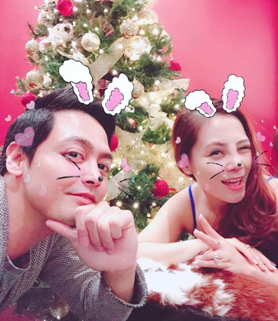MC Phan Anh khoe khoanh khac au yem vo trong ngay Valentine