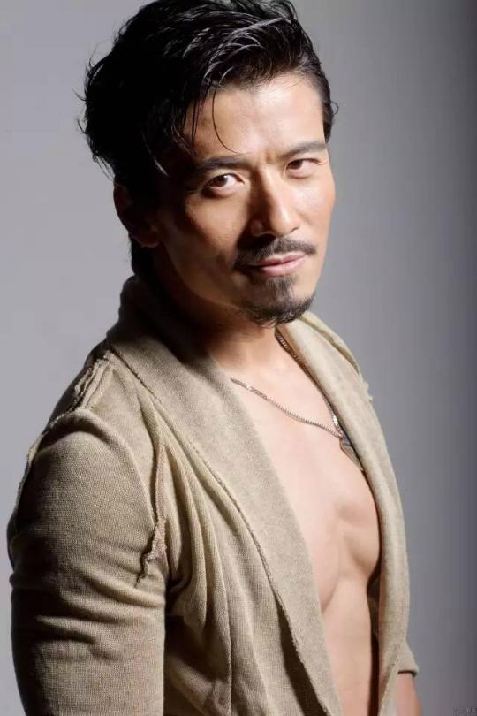 Ngôi sao đa tình của TVB hẹn hò tiểu thư nhà giàu kém 2 con giáp - ảnh 1