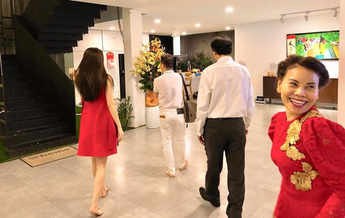 Mr Đàm xông nhà Hà Hồ vào nửa đêm 30 Tết - 3