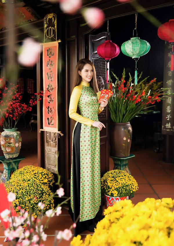 Năm nay người đẹp ăn Tết tại Sài Gòn, không về quê Trà Vinh.
