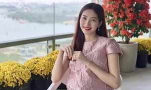 Hoa hậu Thu Thảo lần đầu khoe ảnh bụng bầu