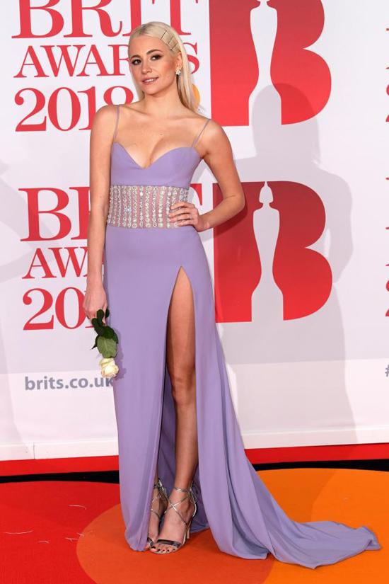 Pixie Lott tham dự lễ trao giải âm nhạc Anh, BRIT Awards, tại London tối 21/2.