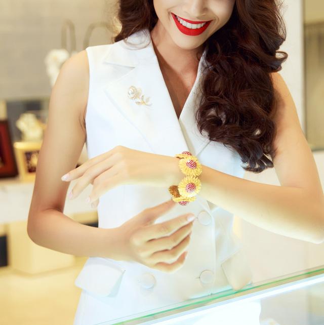 Nữ trang từ vàng 24K tỏa năng lượng tích cực.