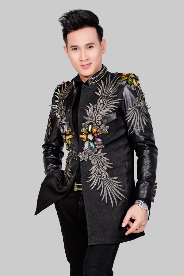 Năm 2018 của Nguyên Vũ mở màn bằng vai trò MC Hãy nghe tôi hát.