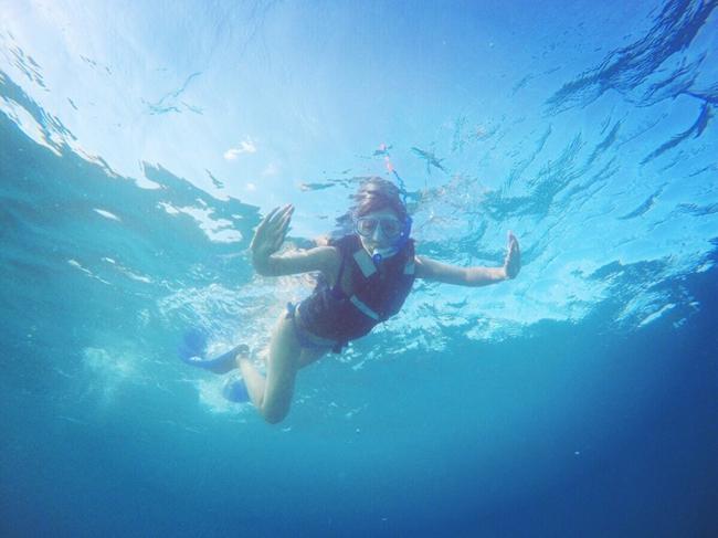 Á hậu Hong Kong khoe ba vòng hoàn hảo dưới nắng biển Maldives - 3