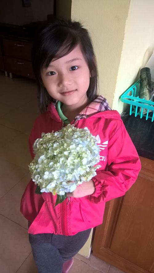 Hà An học giỏi môn Toán và tiếng Việt. Con mơ ước trở thành bác sĩ thú ý hoặc huấn luyện viên động vật.