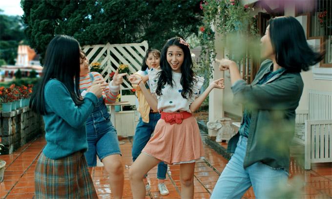 Khổng Tú Quỳnh trong phim Tháng năm rực rỡ, khởi chiếu vào ngày 9/3.