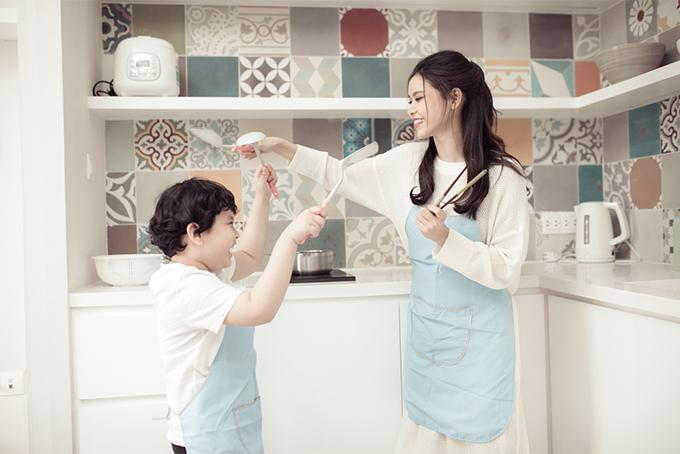 Đời thường đáng yêu của mẹ con Trương Quỳnh Anh - 5