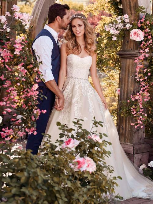 Xu hướng váy cưới 2018: Ngọt ngào và lãng mạn (Phần 1)