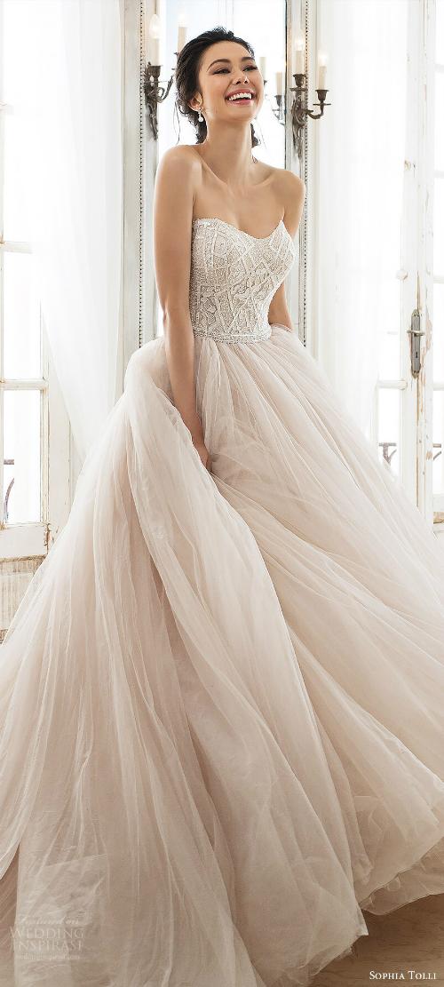 Xu hướng váy cưới 2018: Ngọt ngào và lãng mạn (Phần 1) - 2