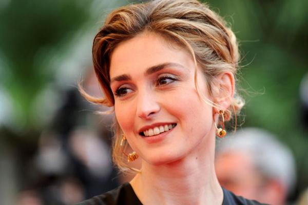 Pháp Tiêu chuẩn nhan sắc của phụ nữ Pháp đặt ở yếu tố thanh lịch. Họ trang điểm, làm đẹp hay ăn vận đều cố gắng toát lên vẻ đẹp thanh lịch