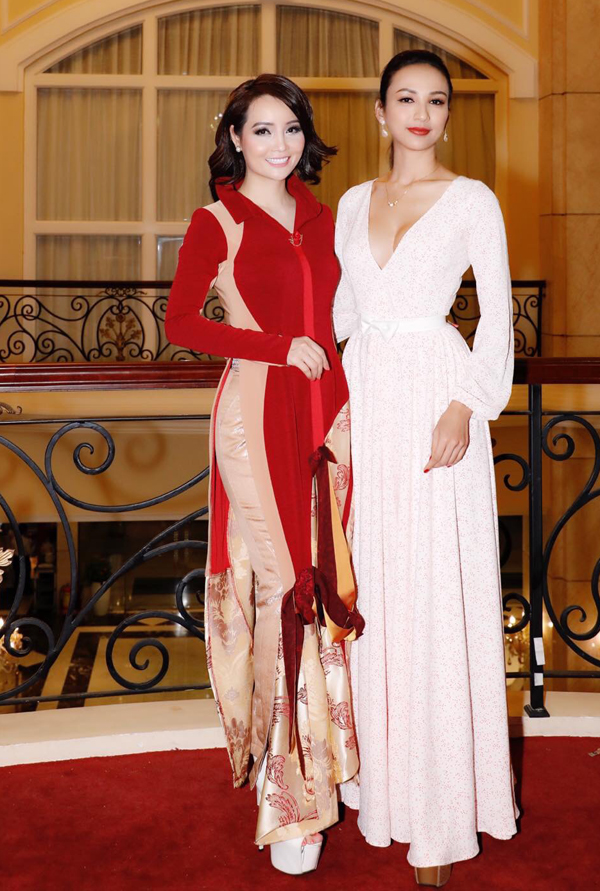 Gái một con tới ủng hộ chương trình do đàn chị Mai Thu Huyền tổ chức.