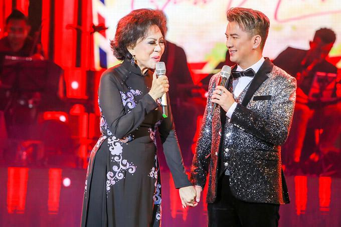 Ông hoàng nhạc Việt song ca với Giao Linh ca khúc Phút cuối. Anh bày tỏ rằng, anh rất ngưỡng mộ giọng hát của nữ danh ca.