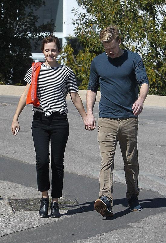 Đây là lần đầu tiên cặp đôi công khai xuất hiện cùng nhau sau khi tin đồn hẹn hò phát tán vào đầu tuần này.