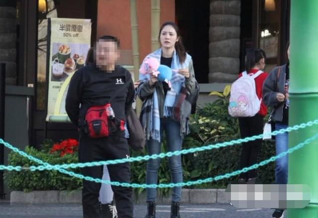 Nửa năm sau khi bị hot girlđá, Lâm Phong hẹn hò bóng hồng mới - 2