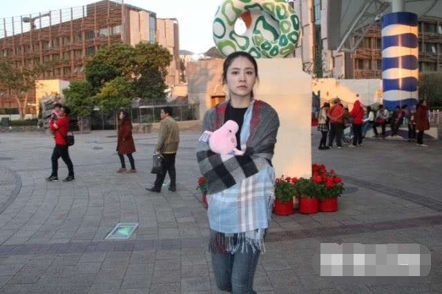 Bóng hồng mới của Lâm Phong. Một nguồn tin cho hay, tài tử Hong Kongđã vượt qua nỗi buồn bị Ngô Thiên Ngữ đá, sau 5 năm yêuđương mặn nồng.