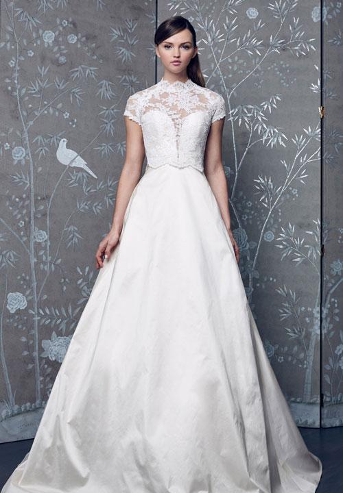 Váy cưới 2018: Khúc biến tấu của phần cổ và họa tiết trang trí (Phần 2) - 11