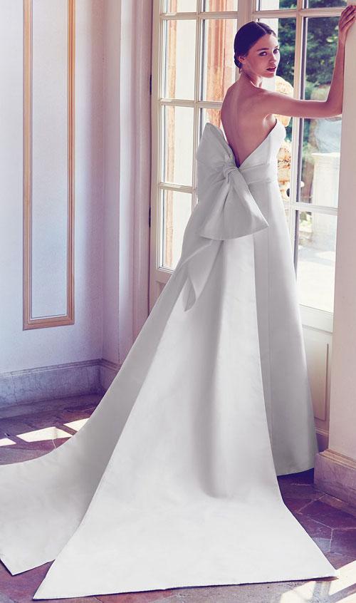 Váy cưới 2018: Khúc biến tấu của phần cổ và họa tiết trang trí (Phần 2) - 8