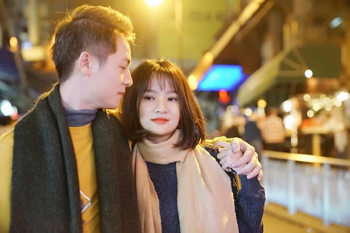 Đăng Khôi tình cảm với em gái mưa Thanh Vy ở Hong Kong - 1