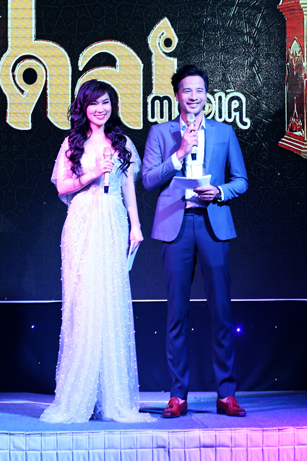 Kavie Trần và Đoàn Thanh Tài trông khá đẹp đôi trên sân khấu.