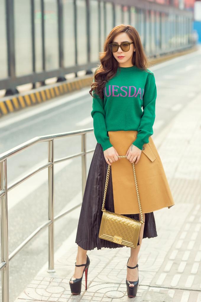 Á khôi Mai Diệu Linh khoe street style trẻ trung, cuốn hút - 7