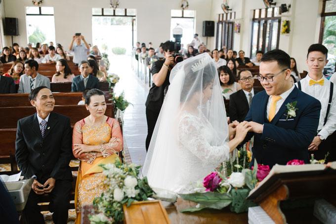 Hôn lễ của Bích Hà -Sze Kiet được tổ chức ở cả quê hương cô dâu và chú rể.