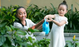 Đoan Trang ngỡ ngàng vì cách dạy cháu của bố mẹ chồng