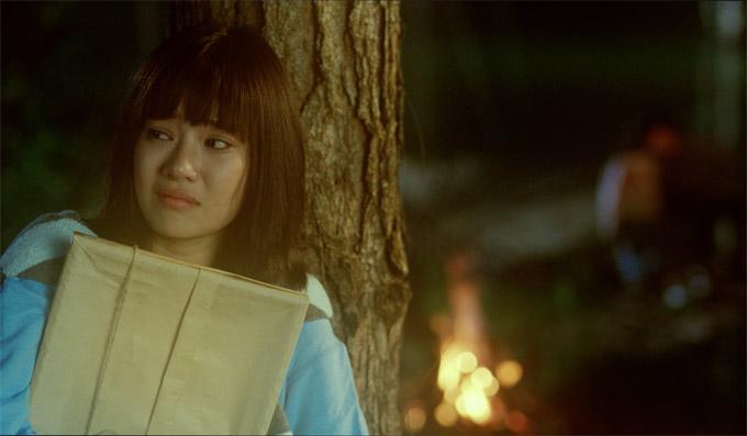 Hoàng Yến Chibi tiếc nuối mối tình đầu trong MV Nụ hôn đánh rơi