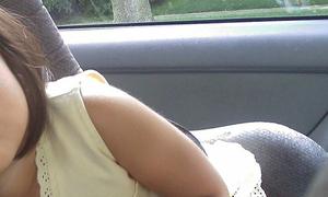 Bé gái 2 tuổi tử vong vì bị mẹ bỏ quên 4 tiếng trên xe hơi