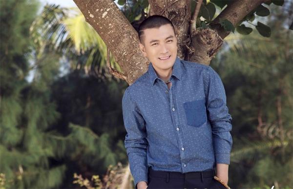 Dương Tử từng nhiều lần lên tiếng bảo vệ Huỳnh Thánh Y trước dư luận và truyền thông. Anh hiện là CEO của một tập đoàn lớn.