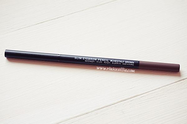 Bút kẻ mày 3CE Slim Eyebrow Pencil màu Chestnut Brown.