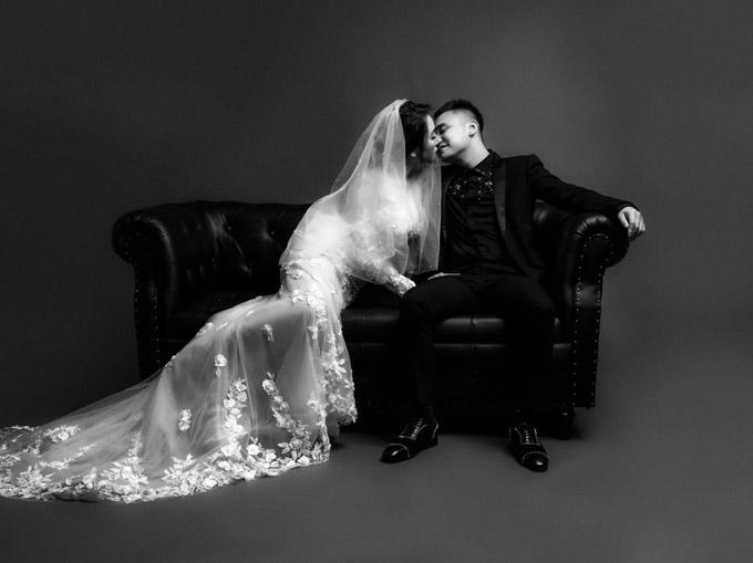 Vợ chồng Khắc Việt khoe ảnh cưới trước ngày về chung nhà