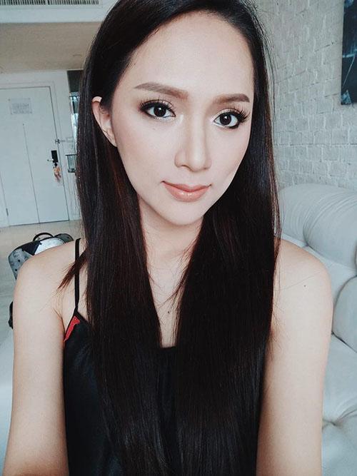 Hương Giang được nhận xét là ngày càng giống người Thái. Tuy nhiên, nhiều fan lo lắng cho sức khoẻ của hoa hậu vì thấy cô gầy đi.