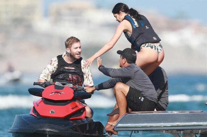 Calvin và Aarika đánh dấu chuyện tình tái hợp bằng chuyến du lịch ở Mexico.
